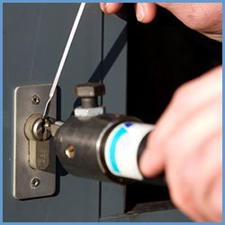 State Locksmith Services West Palm Beach, FL 561-328-2937